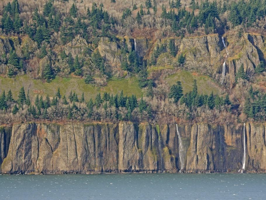 Columbia River, OR - Credit: Alan Cressler